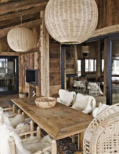 Trendy lighting fixtures kitchen table rustic - My Home Decor Chalet Modern, Chalet Chic, White Wicker Furniture, Living Furniture, Paint Wicker, Wicker Couch, Wicker Trunk, Wicker Bedroom, Wicker Table
