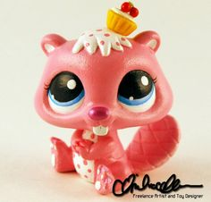 Lps custom by @Thatg33kgirl on Instagram. I love her insparation she puts into her pets