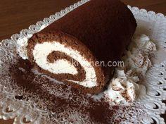 Il rotolo al cacao con crema al latte è un dolce semplice da realizzare, con pasta biscotto al cacao. Un dolce fresco che piace ai bambini.