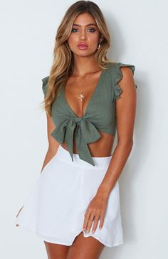 Ruffles bow tie v-neck women summer crop top fashion casual cropped t shirt tops Fall Fashion Outfits, Spring Outfits, Womens Fashion, Crop Top Elegante, Girly Outfits, Cute Outfits, Autumn Fashion Grunge, Casual Dresses, Casual Outfits