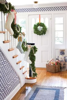 e9cf44d23d323 236 Most inspiring Christmas Stairs images in 2019