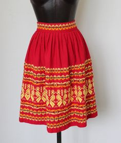 vintage Guatemala embroidered cotton skirt red / yellow.