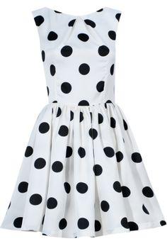 Castigi rochia preferata daca dai share acum! Mai multe share-uri, mai multe sanse! Rochie Lara