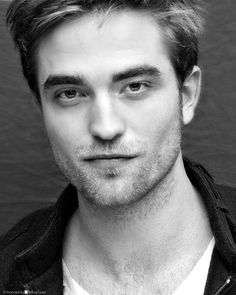 mmmmm....he looks so good in B-n-W!!  Robert Pattinson