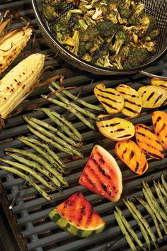 20 ways to grill fruits & veggies - vegetarian times Vegetarian Times, Vegetarian Grilling, Grilling Recipes, Vegetarian Recipes, Cooking Recipes, Healthy Recipes, Healthy Grilling, Barbecue Recipes, Barbecue Sauce