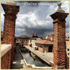 La #PicOfTheDay #turismoER oggi arriva dai Trepponti di #Comacchio. Complimenti e grazie a @lauragarani :)