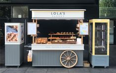 Lola's Bakery Cart manufactured by Victorian Cart Company Food Cart Design, Food Truck Design, Cafe Shop Design, Kiosk Design, Mobile Coffee Shop, Bike Food, Food Truck For Sale, Small Coffee Shop, Food Kiosk