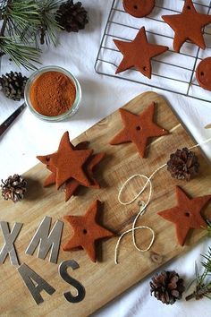 Christmas Ornaments--> perfect for holiday crafts with kids & made with edible ingredients!DIY Christmas Ornaments--> perfect for holiday crafts with kids & made with edible ingredients! Merry Christmas To You, Christmas Ornaments To Make, Christmas Time, Christmas Crafts, Homemade Christmas Decorations, Homemade Christmas Gifts, Xmas Decorations, Homemade Ornaments, Christmas Activities For Kids