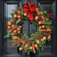 These Unusual Wreaths Would Take You To The Another Level Of Christmas Decorating And Make Your House Look Different - The Living Blue Easy Hobbies, Hobbies For Women, Hobbies To Try, Hobbies And Crafts, Christmas Trees For Kids, Christmas Time, Christmas Wreaths, Christmas Decorations, Holiday Decor