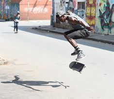 Skaters doing their thing. Sporty, Street Style, Urban, Photography, Bags, Fashion, Handbags, Moda, Photograph