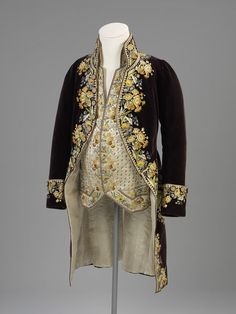 Court coat and waistcoat, This ensemble is typical of men's court dress at the… 18th Century Clothing, 18th Century Fashion, Antique Clothing, Historical Clothing, Women's Clothing, Vintage Outfits, Vintage Fashion, 18th Century Costume, Rococo Fashion