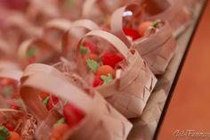Eis a festa da Chapeuzinho Vermelho!! Aqui estão as guloseimas, que tbm são deliciosas lembranças da festa.   Sofia, qd vc crescer, vai ver...