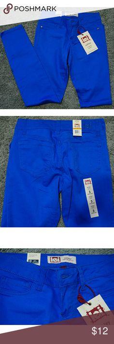 Blue Lowrise Skinny Jeans size 3 Regular L.e.i. blue Lowrise Skinny jeans size 3 Regular NWT Jeans Skinny