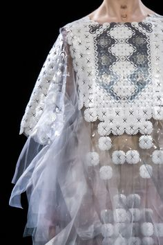 Yumi Katsura Spring 2017 Couture. Something about this.