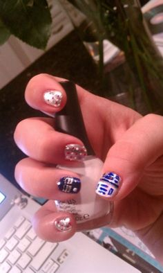 a girl, a city Fun Nails, Pretty Nails, Daddy Daughter Dates, Cool Nail Art, Consideration, Halloween Fun, Claws, Hair And Nails, Nerd