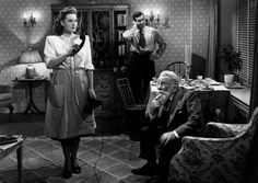 """Maureen O'Hara, John Payne and Edmund Gwenn in """"Miracle on 34th Street"""" (1947)  Edmund Gwenn - Best Supporting Actor Oscar 1947"""