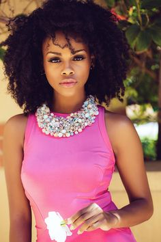 Curly Afro, Soft Pink Lips, Wide Necklace, Pink Dress an White Flower, Beautiful And Elegant! Gorgeous!!! #naturalista
