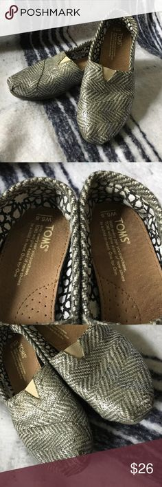 Tom's Metallic tweed size5.5 women's Women's rarely worn size 5.5 Toms TOMS Shoes Flats & Loafers