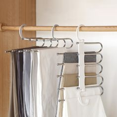 Most up-to-date Photographs Multi-Functional Pants Rack Strategies You know old-fashioned clothes hangers, that you simply will surely have to hold in your closet. Tie Rack, Hanger Rack, Coat Hanger, Do It Yourself Organization, Organisation Ideas, Closet Hangers, Pant Hangers, How To Fold Pants, Gowns