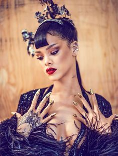 The wait is over for Rihanna's fans in China. A few pictures from Harper's Bazaar China's April 2015 issue featuring pop star Rihanna has been unveiled, teasing the fans who were … Moda Rihanna, Rihanna Cover, Rihanna Riri, Rihanna Style, Rihanna Nails, Rihanna Fashion, Rihanna Thick, Rihanna Baby, Rihanna Vogue
