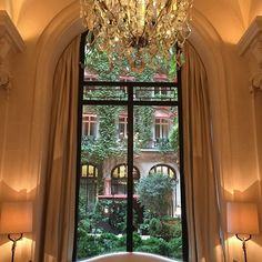 Friday morning pleasure....Morning tea at the Plaza Athénée. My private moment to reflect on the week's work. Call it meditation if you like!!!