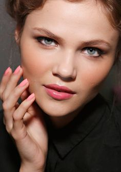 Douglas Hannant: The Douglas Hannant collection was filled with feminine fabrics, and Essie's Knockout Pout (a petal pink) perfectly matched this ladylike feel.