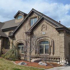 Brown Brick, Brick Colors, Brickwork, Bricks, Home Remodeling, Beautiful Homes, House Plans, Kitchens, Exterior