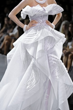 Talk about fashion runway beauty, love to see something different