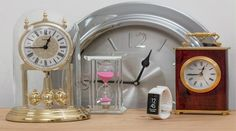 The causes of procrastination can be different for each of us but understanding what they are can help with overcoming procrastination and get more done 5 Gifts, Best Gifts, Home Decor Accessories, Decorative Accessories, Pill Organizer, Small Study, Dealing With Stress, Blink Of An Eye, Make An Effort