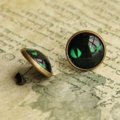 $4.26 Pair of Vintage Cat Eyes Pattern Alloy Earrings For Women