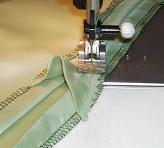 How to add walking ease in a lining for a pleated skirt.