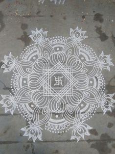 New Simple Star Quilting Ideas Simple Rangoli Designs Images, Rangoli Designs Flower, Rangoli Border Designs, Rangoli Patterns, Rangoli Ideas, Rangoli Designs With Dots, Flower Rangoli, Beautiful Rangoli Designs, Peacock Rangoli