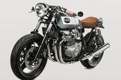 Kawasaki Zephyr 750 Cafe Racer by Barn Built Bikes #motorcycles #caferacer #motos | caferacerpasion.com