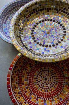 Denise Robinson, Mosaic artist. Mosaic water bowls #mosaicart #mosaic