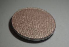 Fairies Breath Highlighter Neutral Gold Highlighter all skin tones by BeautyEscapeCosmetic on Etsy https://www.etsy.com/listing/276197290/fairies-breath-highlighter-neutral-gold