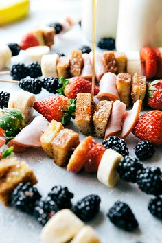 Canadian Bacon and French Toast Kabobs make a fun and delicious breakfast! Loaded up with fresh fruit, canadian bacon, and french toast these will become a new favorite way to eat breakfast! These cute little kabobs may have just become my families new favorite way to eat breakfast. I promised you some delicious new breakfast …