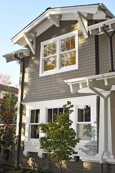 Pella Windows 'Proline Double-hung, custom at top Exterior finish: Linen White or White Interior finish: Linen White or White Hardware finish: Oil-rubbed Bronze Craftsman Exterior, Cottage Exterior, Exterior Trim, Exterior House Colors, Modern Exterior, Craftsman Style, Exterior Paint, Siding Colors, Double Hung Windows