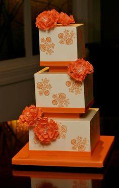 tartas de boda - wedding cake - Orange floral wedding cake by Confectionery Designs Pretty Wedding Cakes, Square Wedding Cakes, Elegant Wedding Cakes, Pretty Cakes, Unique Cake Toppers, Wedding Cake Toppers, Orange Wedding Colors, Orange Flowers, Orange Color
