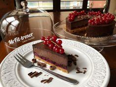 FIT TORT CZEKOLADOWO-WIŚNIOWY Tiramisu, Healthy, Ethnic Recipes, Fitness, Food, Diet, Essen, Meals, Tiramisu Cake