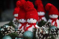 Купить Огненные снеговички новогодняя мягкая вязаная игрушка - ярко-красный, новогодний сувенир, красный