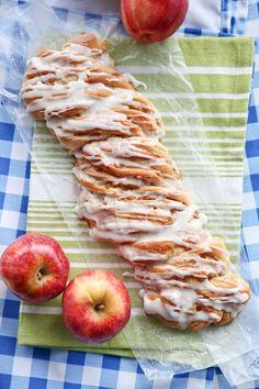 braided cinnamon apple bread