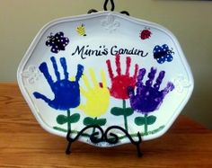 Cute homemade gift idea using kid's handprints - perfect for mom or grandma!