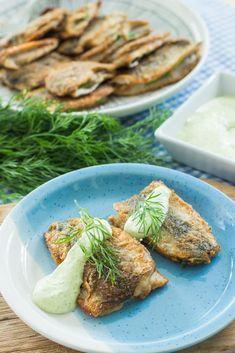 Silakkapihvit yrttikastikkeella - Sweet Food O´Mine Fish Recipes, Sweet Recipes, Fish And Seafood, Green Beans, Good Food, Food And Drink, Steak, Chicken, Vegetables
