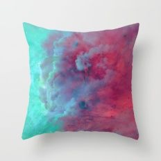 Mèduse Rouge Throw Pillow