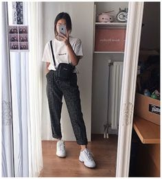 Edgy fashion outfits casual pants 14 ideas for 2020 Boyish Outfits, Teen Fashion Outfits, Retro Outfits, Simple Outfits, Fashion Tips, Korean Fashion Trends, Korean Street Fashion, Korea Fashion, Japan Fashion