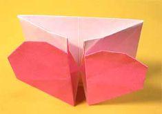 折り紙でハート窓の折り方!簡単バレンタインメッセージの作り方 | セツの折り紙処 Container, Crafts, Manualidades, Handmade Crafts, Craft, Arts And Crafts, Artesanato, Handicraft