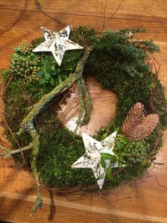Door wreath with stars - Weihnachten Rustic Christmas, Christmas Time, Christmas Wreaths, Christmas Crafts, Christmas Decorations, Xmas, Christmas Ornaments, Holiday Decor, Corona Floral