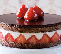 Strawberry Coconut Torte Dessert from Lindt Chocolate Cupcakes, Cupcake Cakes, Sweet Recipes, Cake Recipes, Dessert Recipes, Coconut Torte Recipe, Just Desserts, Delicious Desserts, Chocolat Lindt