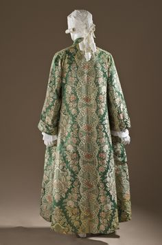 Man's At-home Robe (Banyan) and Waistcoat France, circa 1720 Costumes; ensembles Silk satin with silk supplementary-weft patterning a) Robe center back length: 29 in. b) Waistcoat center back length: 55 in. 18th Century Dress, 18th Century Costume, 18th Century Clothing, 18th Century Fashion, Historical Costume, Historical Clothing, Rococo Fashion, Gq Fashion, Vintage Outfits