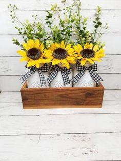 Sunflower Themed Kitchen, Sunflower Room, Sunflower Wedding Decorations, Sunflower Centerpieces, Sunflower Kitchen Decor, Mason Jar Centerpieces, Mason Jars, Sunflower Bathroom, Sunflower Party